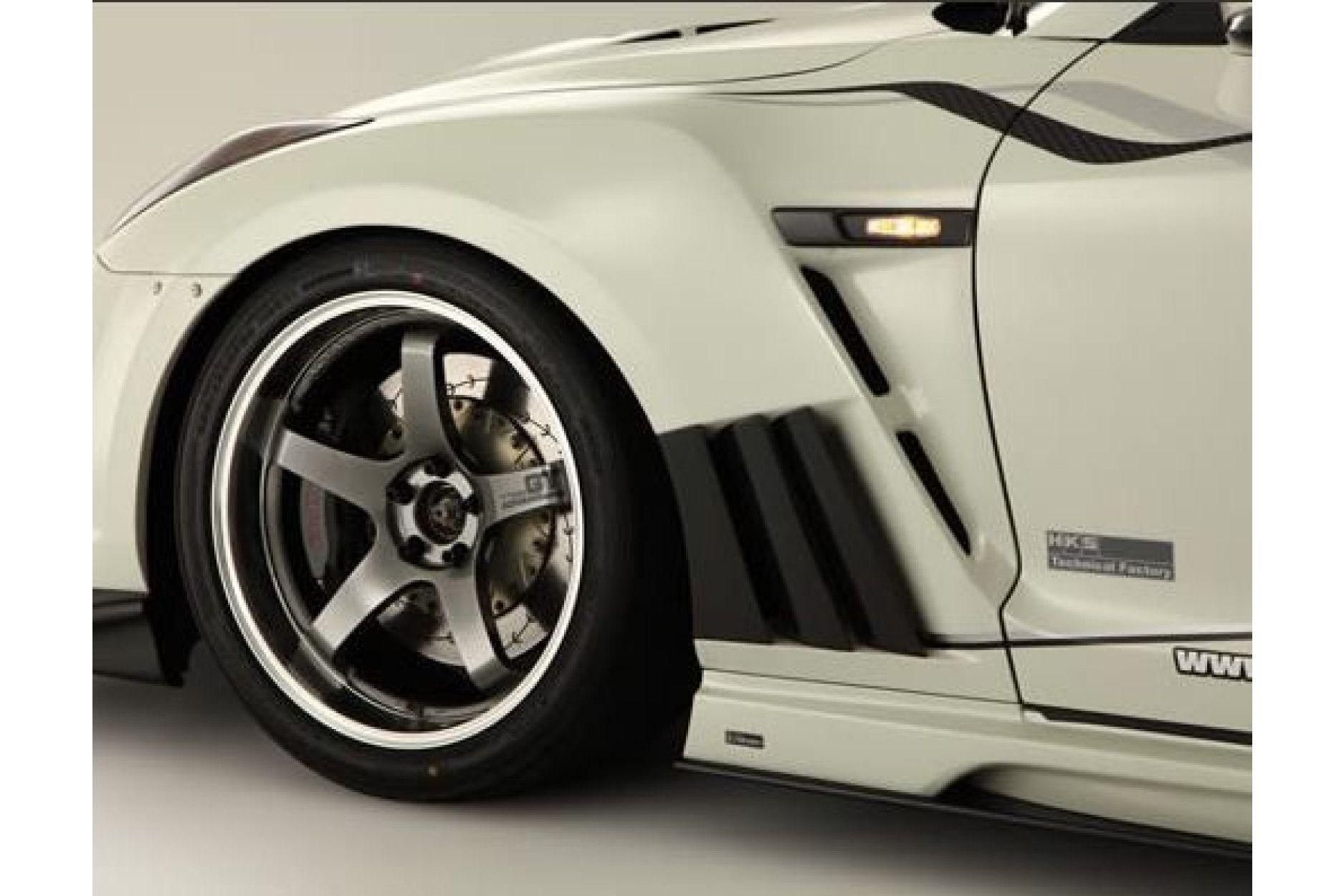 Varis Carbon Front Kotflügel für Nissan R35 GT-R