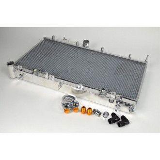 CSF Wärmetauscher Wasserkühler für Subaru Impreza WRX und STI 2002-2007 integrierter Ölkühler
